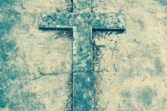 Krzyż nagrobny z cmentarza ewangelicko-augsburskiego w Płocku foto: luter2017.pl