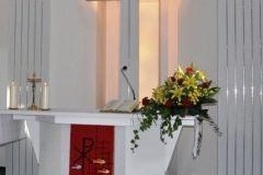 ołtarz w kościele ewangelicko-augsburskim w Bładnicach