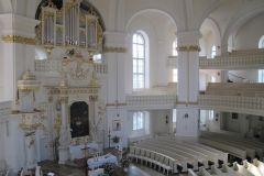 wnętrze dawnego kościoła ewangelickiego w Poznaniu