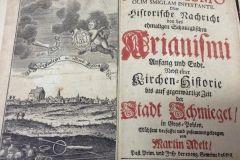 Historia arianizmu w Śmiglu autorstwa luterańskiego duchownego ks. Martina Adelta
